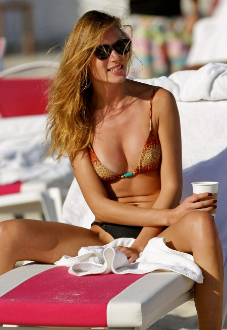 olga-kent-in-bikini-in-miami-beach_1