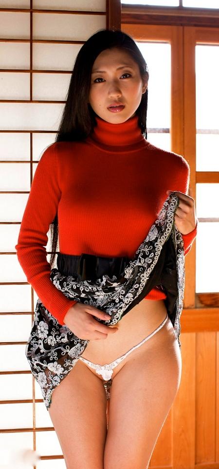 Mitsu Dan nude 4