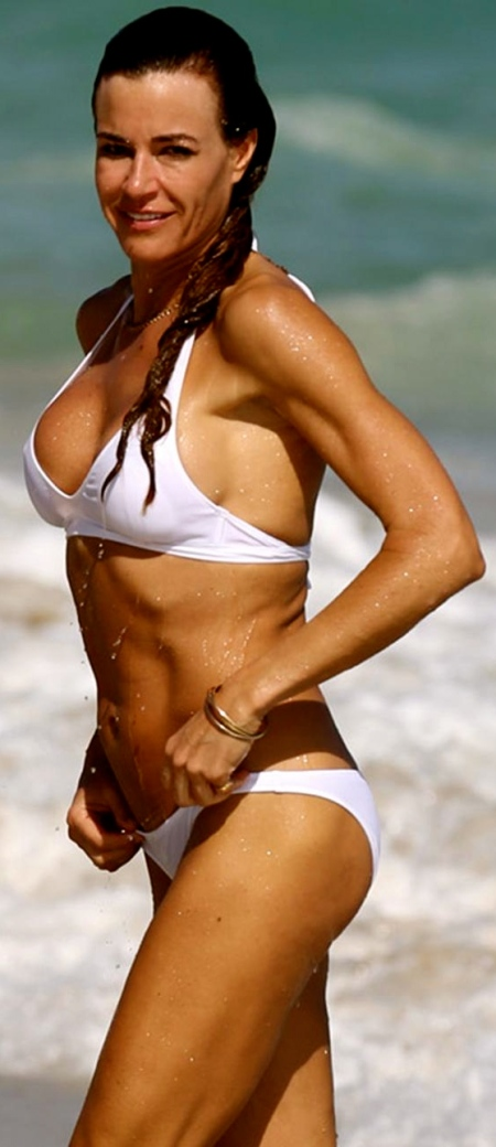kelly_bensimon_bikini_white_hat7