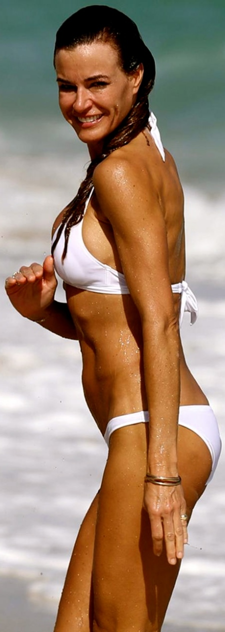kelly_bensimon_bikini_white_hat9