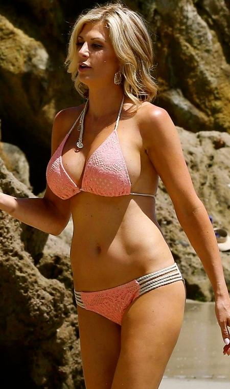 alexis_bellino_bikini_laguna_sand5
