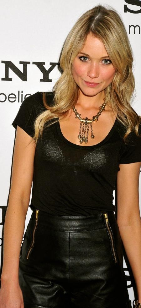 Katrina Bowden-Image