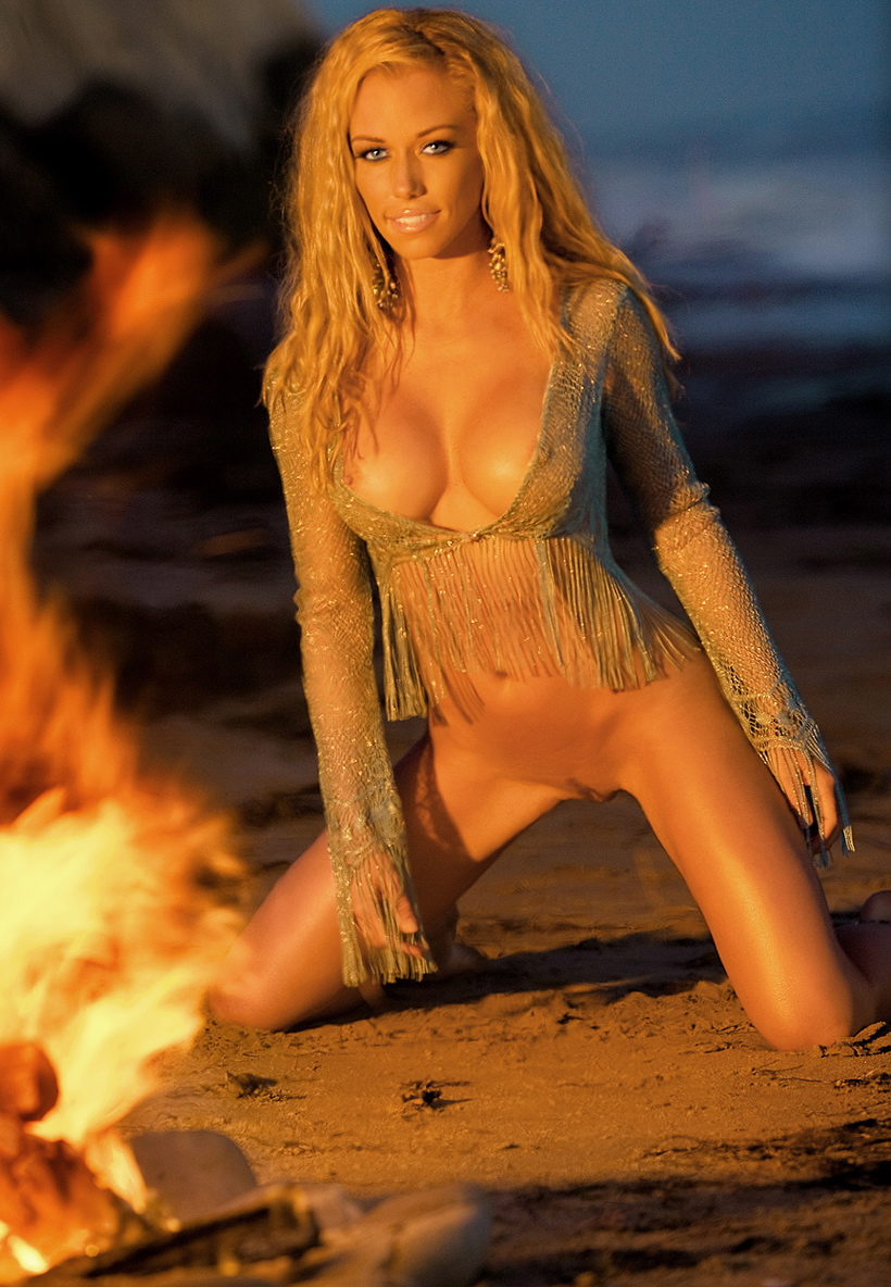 the model in playboy named kendra wilkinson naked