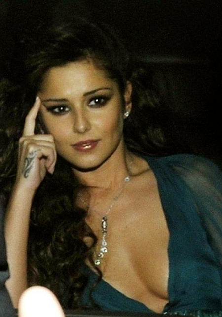 cheryl-cole-cleavage-candids-at-simon-cowell-party-party-party-1932167110