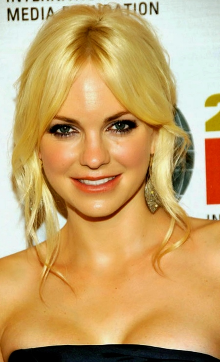 Anna Faris Hd Wallpapers Free Download 16
