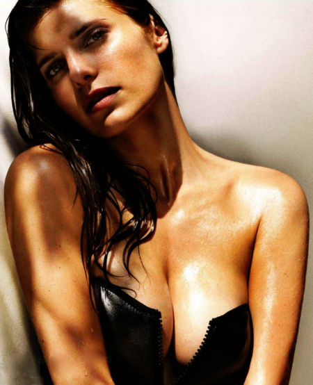 lake-bell-sept-maxim-1949145513-1