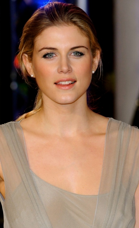 ashley-james-at-robocop-premiere-in-london_10