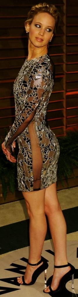 Jennifer-Lawrence-Oscar-2014-Vanity-Fair-Party-13-720x1248-590x1024