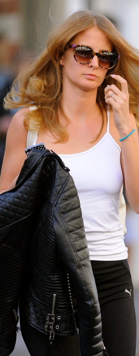 millie-mackintosh-at-the-hairdressers-in-london-beach-679026999