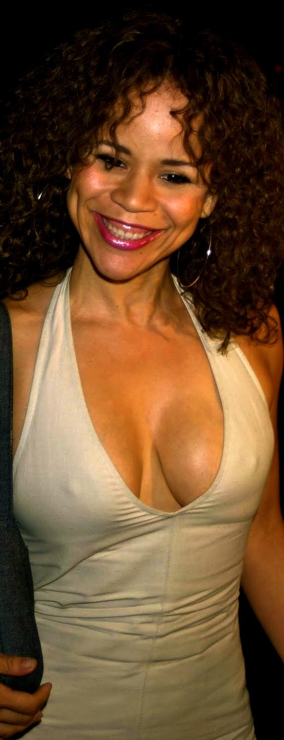 Rosie perez nipples