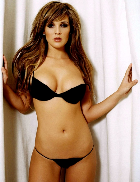 2034-celebrity_danielle_lloyd_wallpaper-1