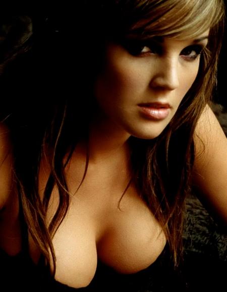 Danielle-Lloyd-1920x1200-025
