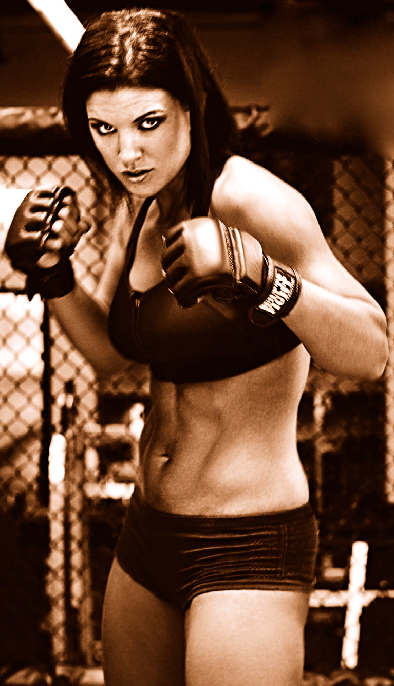Gina Carano Nue dans In the Blood ANCENSORED