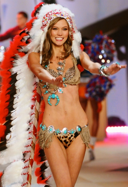 Karlie-Kloss-Victoria-Secret-Fashion-Show-2012-4