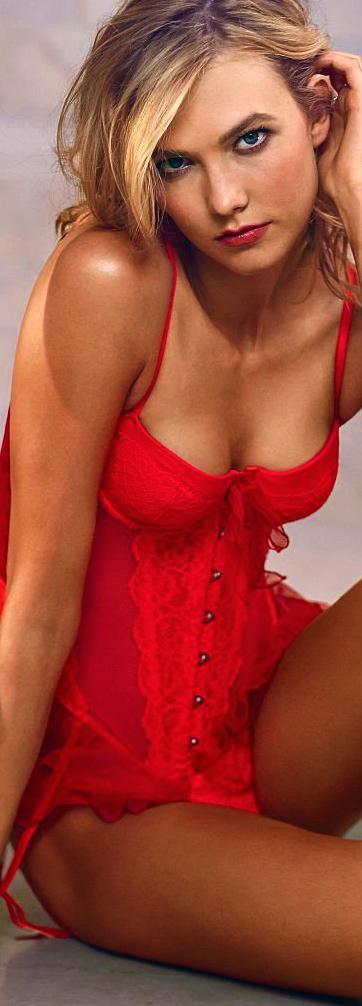 Karlie-Kloss---VS-Lingerie-2014--05