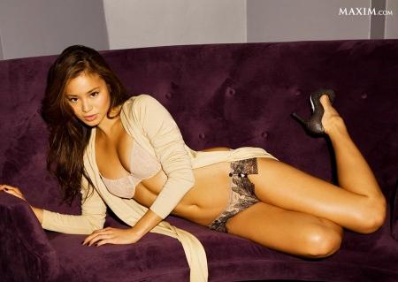 jamie-chung-fake-naked-4