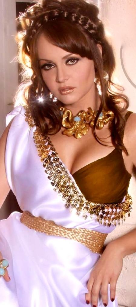 gabriela-spanic-conexiones-mexico-actress-aracely-arambula-753578856