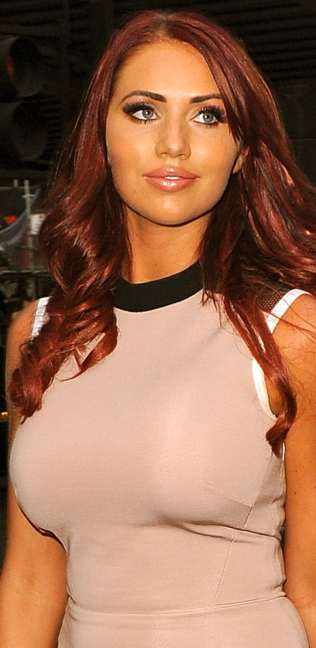 Amy-Childs-at-Gilgamesh-Bar-in-London-12