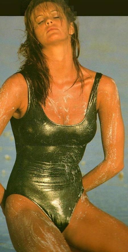 Elle-Macpherson-1994-Calendar-02