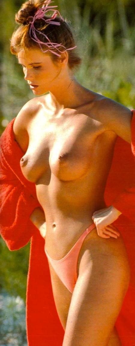 elle-macpherson-topless-in-elle-1715-4