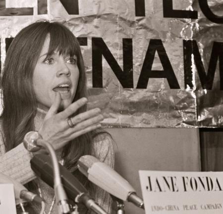 Jane_Fonda_1975d