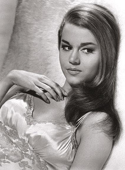 Young-Jane-Fonda