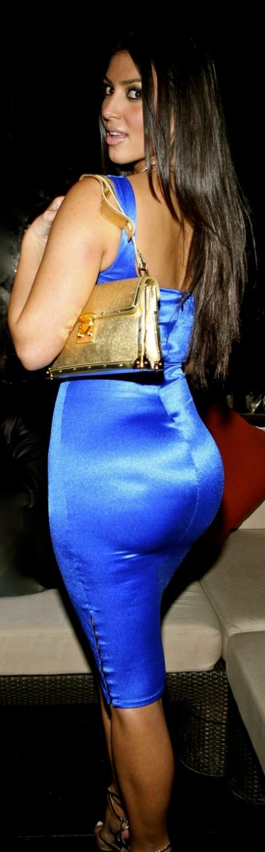 kim-kardashian-huge_butt_blue-jpg
