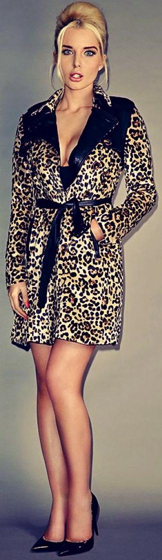 helen-flanagan-photoshoot-leopard-print-coat-and-sexy-underwear_3
