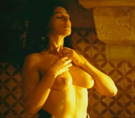 33189-monica-bellucci-nude-sexy-scene-3