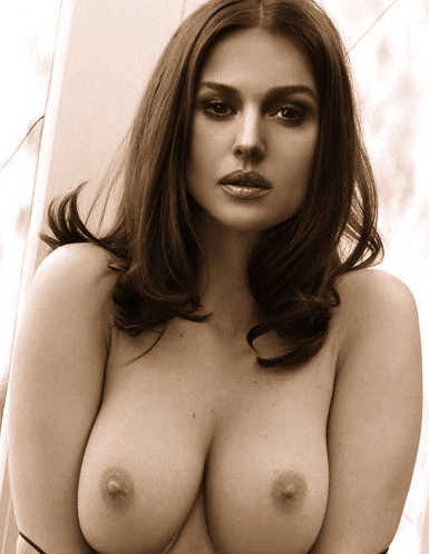 monica-bellucci-naked-pics
