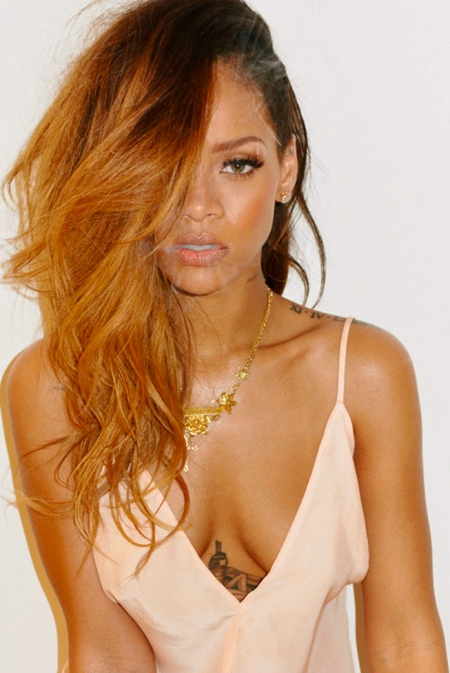 Rihanna-Previews-New-Kiss-It-Better-Song-on-Instagram-0