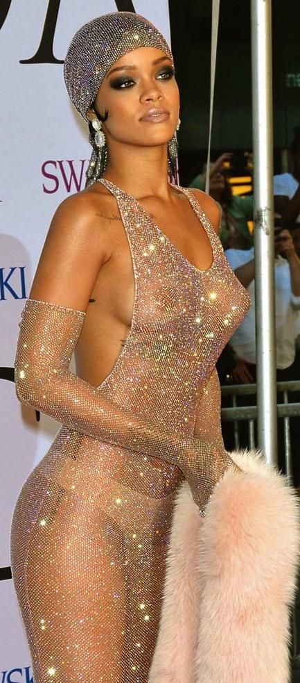 T-Rihanna-CFDA