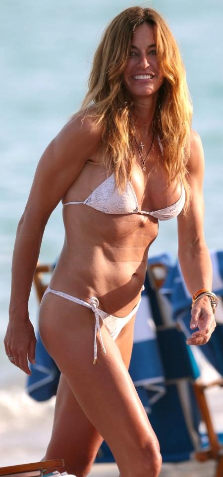 kelly-bensimon-bikini-photos-beach-in-miami-december-2014_1