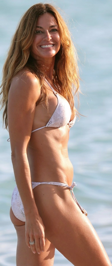 kelly-bensimon-bikini-photos-beach-in-miami-december-2014_9