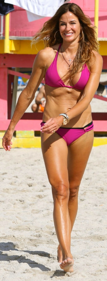 kelly-bensimon-in-a-pink-bikini-in-south-beach-january-2015_1