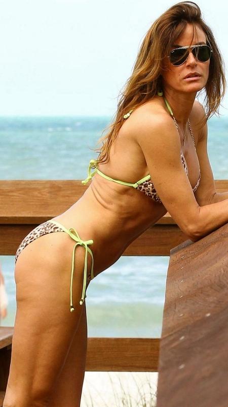 kelly_bensimon_bikini_naples_easter9