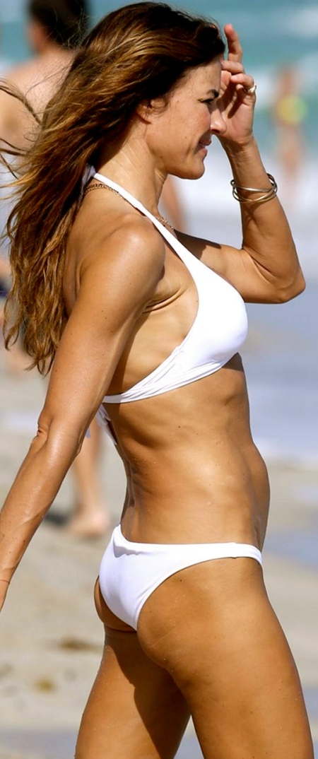 kelly_bensimon_bikini_white_hat6