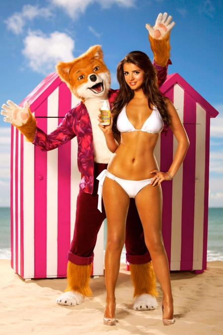 gallery_lucy_mecklenburgh_fur_real_2