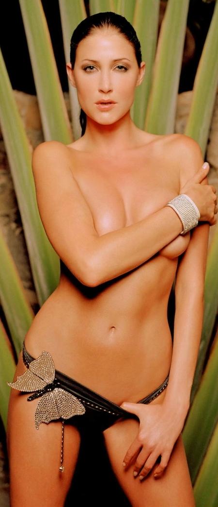 Lisa Snowdon nude 002