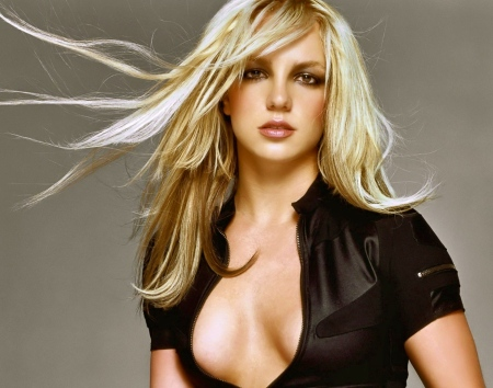 backgrounds-britney-spears-wallpapers-1288541369