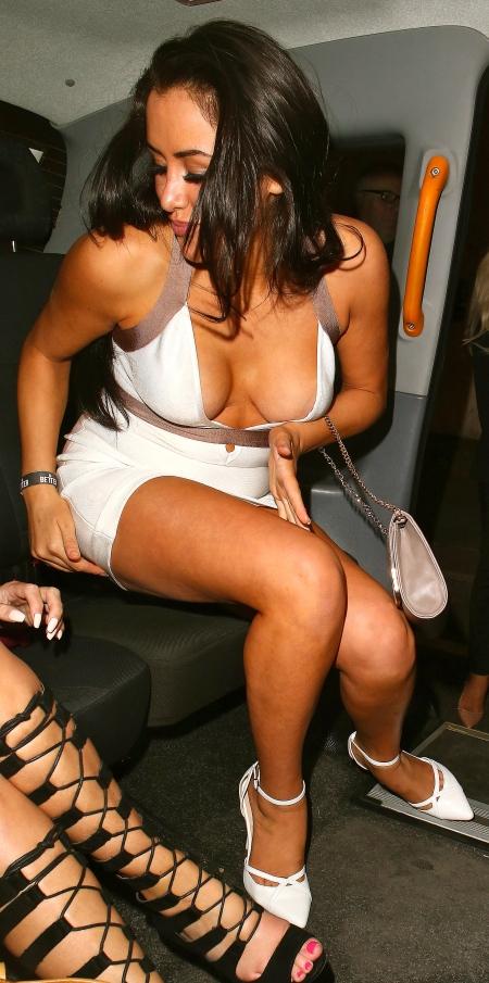 marnie-simpson-pantyless-upskirt-areola-peek-reality-tv-awards-12