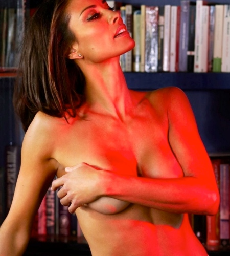 melanie-sykes-esquire-shoot-0b5744786b05fedcf996f121168142b3-large-1434183