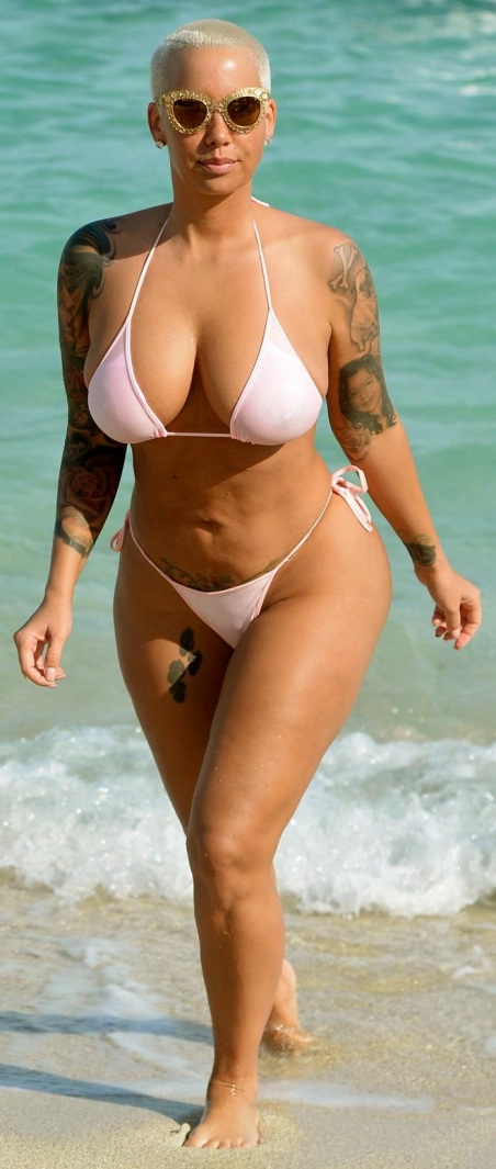 amber-rose-in-bikini