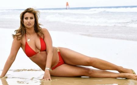 ferne-mccann-in-bikini-on-the-set-of-a-photoshoot-in-australia_9