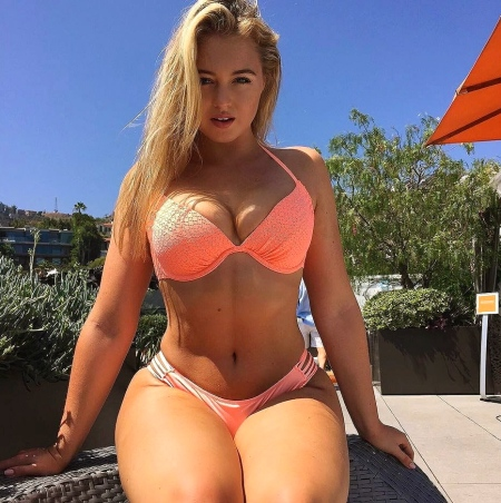 iskra-lawrence-plus-plus-size-models-1683492055