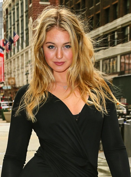 iskra-lawrence-sexy-candid-shots-in-tight-black-dress-in-new-york-april-2016-1