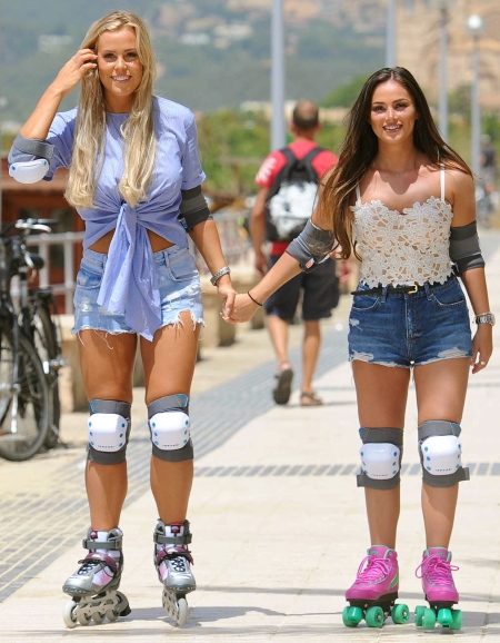 Chloe-Meadows-and-Courtney-Green-Rollerblading--09