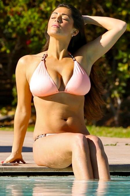 casey-batchelor-in-bikini-by-the-pool-_17