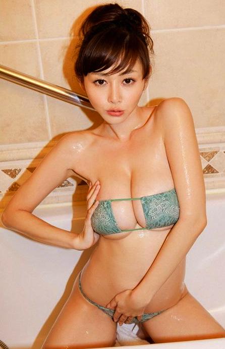 sugihara-anri-khoe-nguc-muop-qua-tao-bao-p2-e903ee