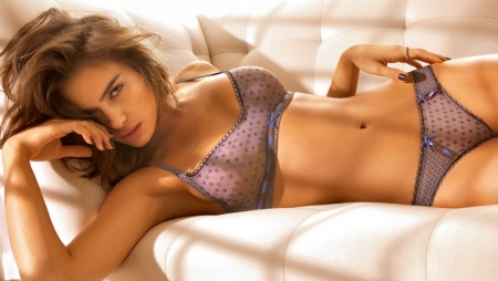 irina-shayk-hot-wallpaper-356056277